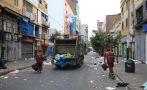Las vías de Gamarra repletas de basura a cuatro días de Navidad