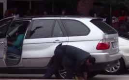 YouTube: salió de reality y se burló así de policía (VIDEO)