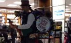 Conoce al hombre orquesta que cautiva a miles [VIDEO]
