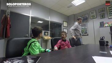 YouTube: Iker Casillas sorprendió a niños con cámara oculta