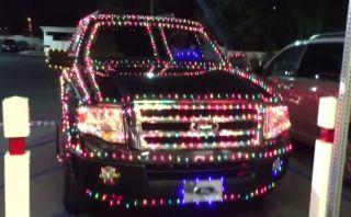 YouTube: El auto más navideño que puedes encontrar