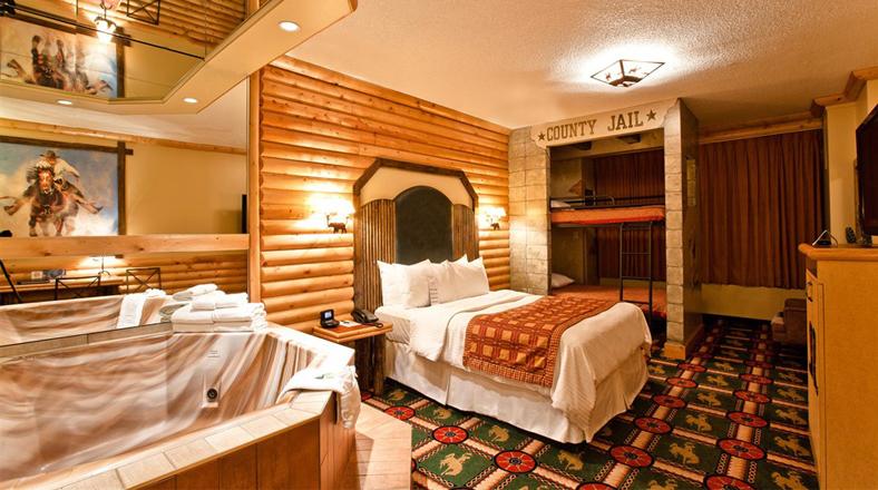 Este hotel te paseará por el mundo con sus cuartos ...