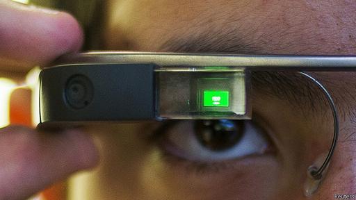 La poca duración de la batería ha sido una de las grandes críticas que ha recibido la versión Explorer Edition de las Google Glass.