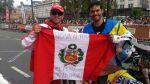 Dakar 2015: peruanos cruzaron podio de largada con la bandera - Noticias de eduardo tato heinrich