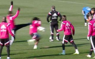Cristiano Ronaldo casi da patada a Marcelo en la cabeza (Video)