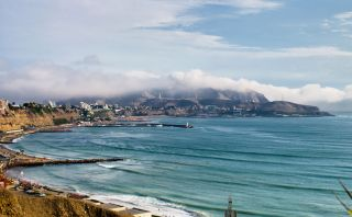 Las mejores playas para practicar surf en el Perú