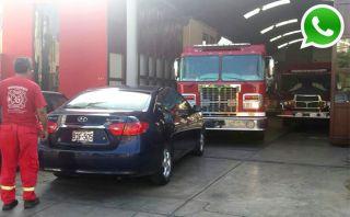 WhatsApp: conductor bloqueó salida de estación de bomberos