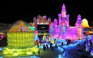 Festival Harbin, la colorida ciudad creada con bloques de hielo