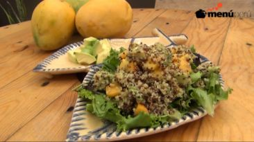 Aprende a preparar una ensalada tropical en cinco minutos
