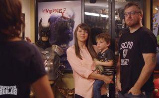 Crean batimóvil para bebe y padre fanáticos de Batman
