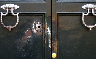 Divino secreto: ¿Qué esconde el agujero de esta puerta en Roma?