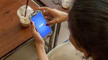 Facebook tendrá mil millones de usuarios móviles en el 2015