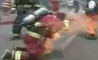 Incendio en VMT dejó bombero grave con quemaduras de 3er grado