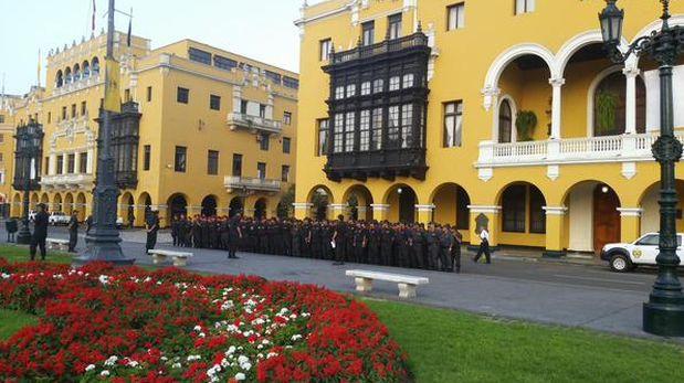 Opositores a 'ley pulpín' se concentran en Plaza Dos de Mayo