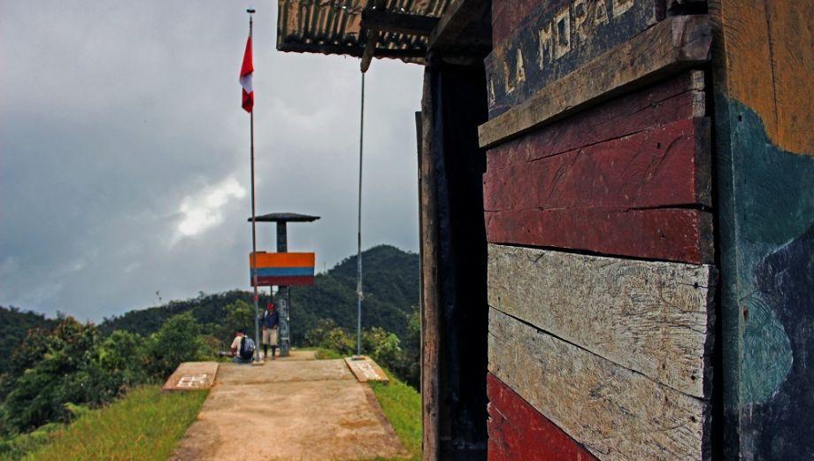 Madereros de Ecuador atentan contra el ambiente en Perú [Fotos]