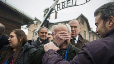 Auschwitz: sobrevivientes volvieron al campo nazi tras 70 años