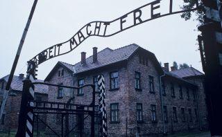 Recuerda el holocausto judío en el Museo de Auschwitz Birkenau