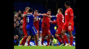 Diego Costa desató la furia de los jugadores del Liverpool