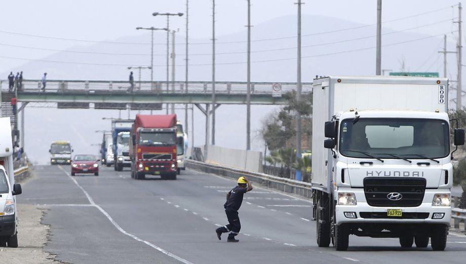En Lima solo hay 140 puentes peatonales [Galería]