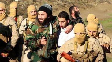 """Estado Islámico: """"Les pido, por Alá, que liberen a mi hijo"""""""