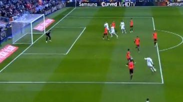 Karim Benzema y un golazo imperdible para igualar al 'Fenómeno'
