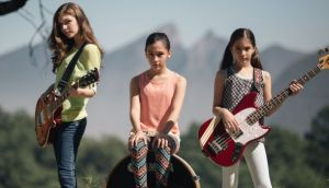 YouTube: The Warning, la banda de tres hermanas rockeras