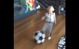 Facebook: así entrena Neymar a su hijo Davi Lucca (VIDEO)