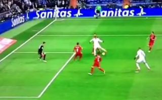 Gareth Bale y otra muestra de egoísmo en el área (VIDEO)