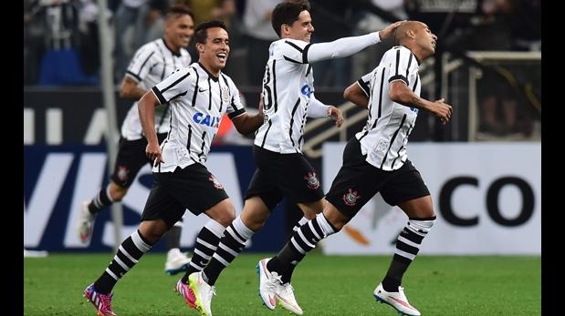 Tiemblan Boca y River, Corinthians golea 4-0 a Once Caldas