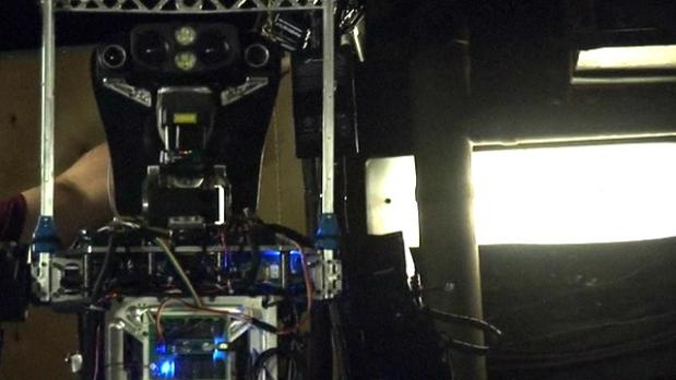 Robombero: el robot que apagará incendios en barcos de guerra