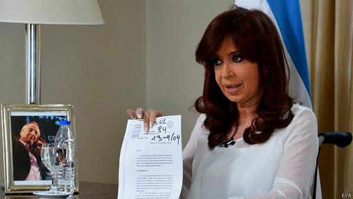 En un mensaje a la nación, Fernández anunció la disolución de la Secretaría de Inteligencia.