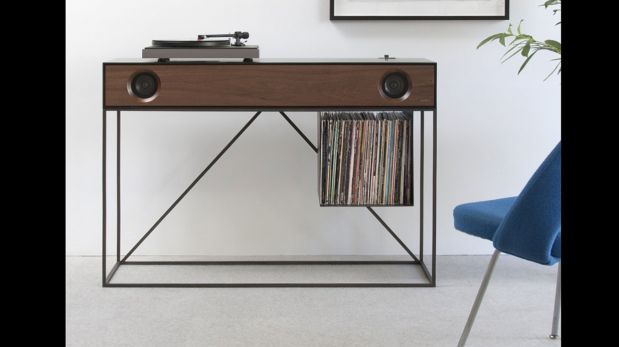 Esta radio estilo vintage tambi n funciona como mueble for Como restaurar un mueble vintage