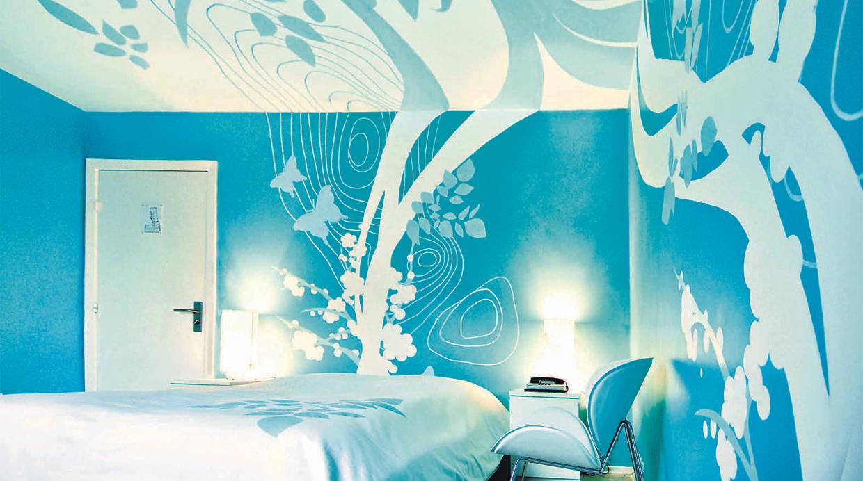 Interiores azul turquesa for Color azul grisaceo para paredes