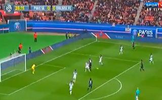 Ibrahimovic se lució con un pase gol de taco para el PSG