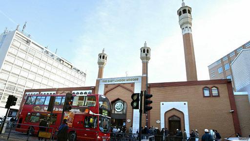 La Mezquita del Este de Londres es una de las más grandes de Europa.