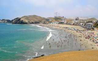 Las mejores playas del Perú para pasear con una moto acuática