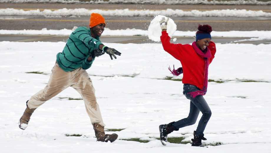 Intensa ola de frío congela más ciudades de Estados Unidos