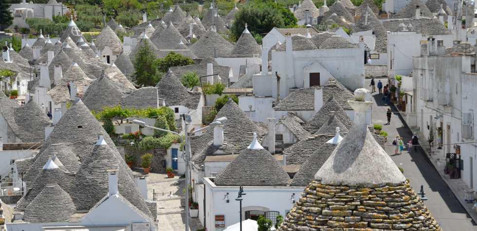 """Recorre Alberobello, la """"capital de los trullos"""""""