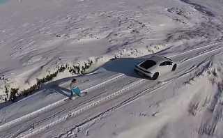 Hace snowboard arrastrado por un Lamborghini, pero...