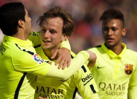 Barcelona derrotó 3-1 al Granada con goles de Suárez y Messi