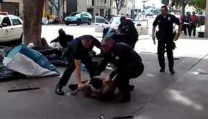 Los Ángeles: policías mataron a un indigente (VIDEO)