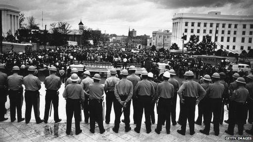 De no ser por la brutalidad policial, por lo tanto, Kennedy pudo haberse mantenido al margen. Y quizá la Ley de Derechos Civiles de 1964 podría no haber sido promulgada nunca.