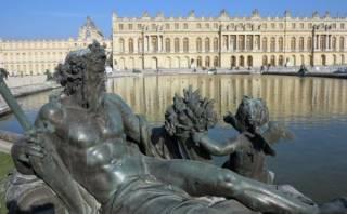 Prohíben el palo para selfies en el Palacio de Versalles