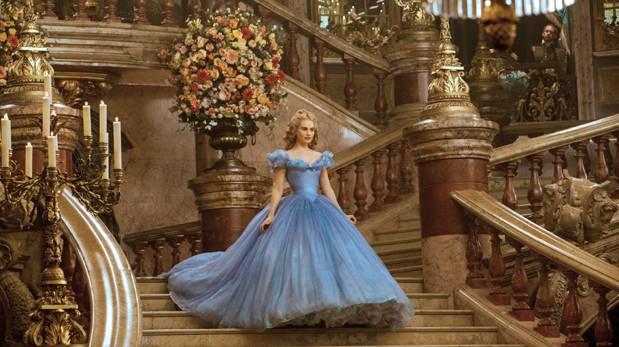 Disney convierte a cenicienta en una princesa de carne y hueso cine luces el comercio peru - Pelicula cenicienta disney ...