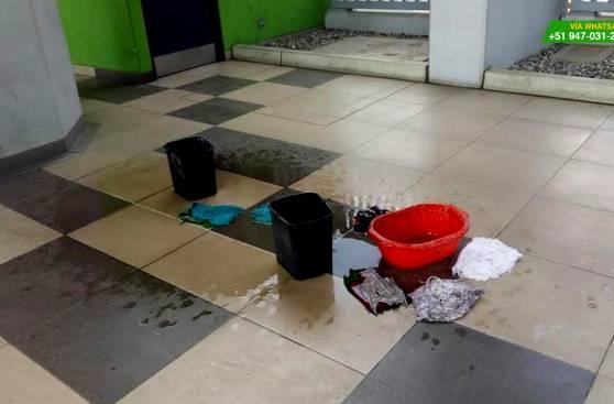 WhatsApp: goteras ponen en peligro a usuarios del Metro de Lima