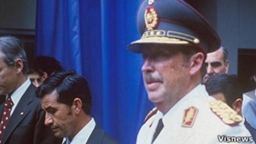 Stroessner fue derrocado en 1989 y se exilió en Brasil, donde murió en 2006.