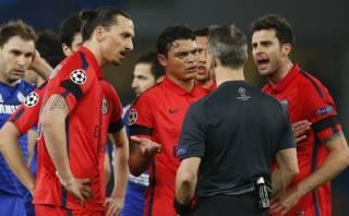 Zlatan Ibrahimovic: UEFA no le borrará la roja en Champions