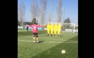 James Rodríguez marcó golazo de tiro libre y espera retorno