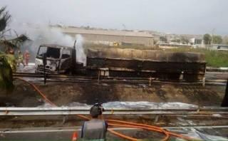 Incendio de cisterna en Panamericana Sur dejó tres afectados