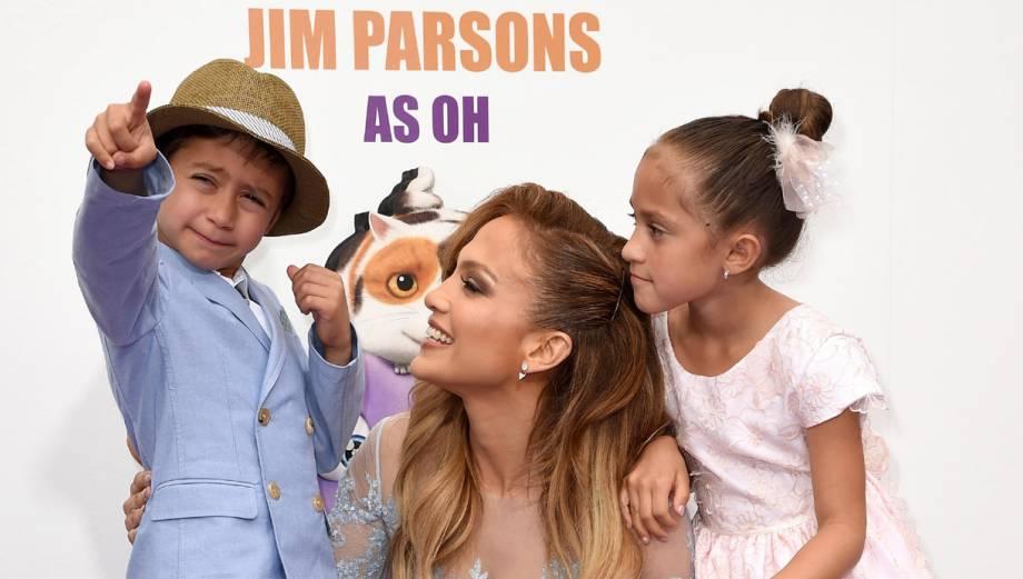 """Jennifer López llevó a sus hijos a la premiere de """"Home"""""""